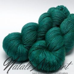 "120 gr / 480 m Superwash Merino / Silk / Yak Yarn - Solid Color ""Tropical Ocean"""