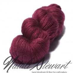 "100 gr / 800 m Superwash Merino / Silk / Yak Yarn - Solid Color ""Raspberry Kiss"""