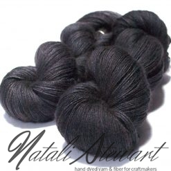 100 gr / 800 m Superwash Merino / Silk / Yak Yarn - Solid Color